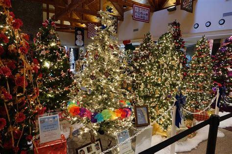 philadelphia tree lighting a guide to tree lighting celebrations in philadelphia for