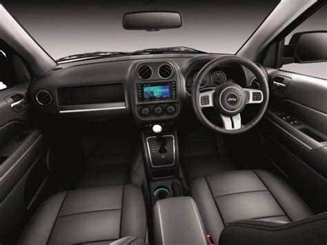 electric and cars manual 2011 jeep patriot interior lighting 2011 jeep patriot goes down under autoevolution
