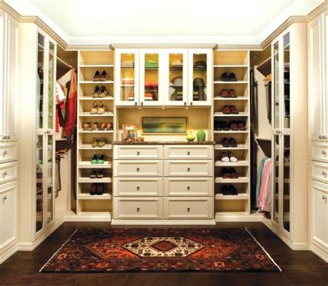 Walk In Closet Layouts by Walk In Closet Ideas Master Closet