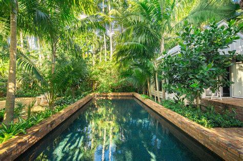 landscape  pool   lush  diy