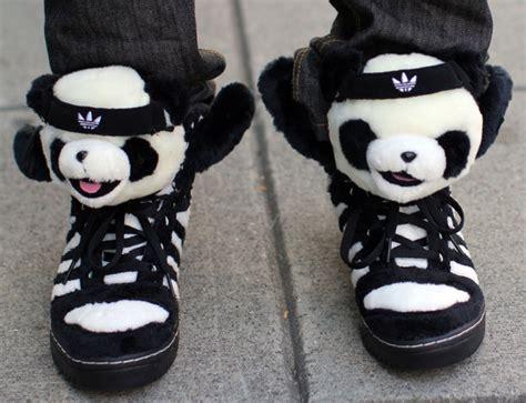 panda shoes cameron bright in cameron bright wearing some panda shoes