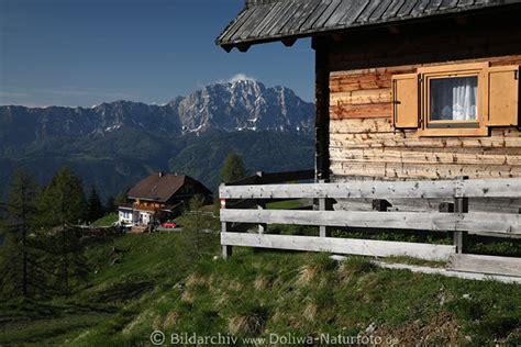 urlaub in holzh tte almhaus bergidylle foto k 228 rnten alpenlandschaft naturbild