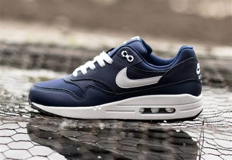 Nike Airmax 1 Blue Navy nike air max 1 gs midnight navy legend blue sneakernews