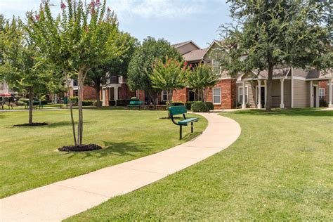Residence At The Oaks Apartments For Rent In Dallas