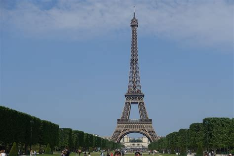 boat trip near eiffel tower your paris itinerary plan your three day trip to paris