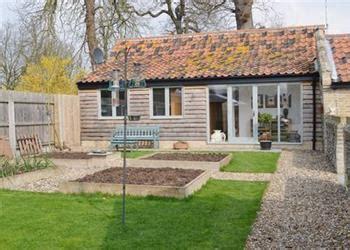 Cottage Bury St Edmunds by Garden Cottage Ref Bwl In Hengrave Nr Bury St