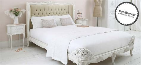 how to style a bed 10 vintage inspired bedroom ideas