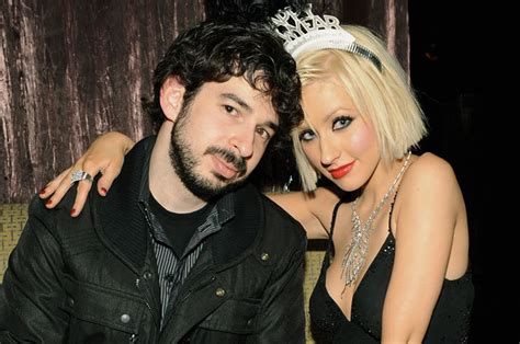 Aguilera Bratman To Host New Years by Aguilera Files For Divorce Billboard