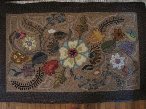 traditional rug hooking 1000 images about traditional rug hooking on