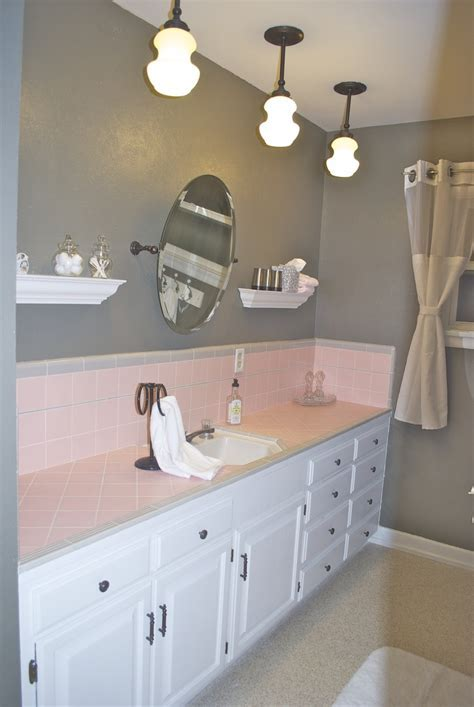 17 Best ideas about Pink Bathroom Tiles on Pinterest   Pink bathrooms, Pink tiles and Little designs