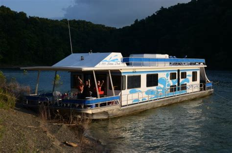 lake cumberland boat house rentals lake cumberland house rentals with boat dock 28 images house boat rentals kentucky