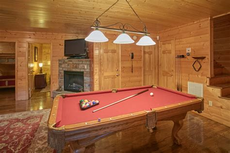 8 bedroom cabins in pigeon forge pigeon forge cabin a sweet retreat 8 bedroom sleeps
