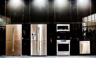 Latest Small Kitchen Designs Totally Opposite Design Concepts Samsung Curved Uhd Tv