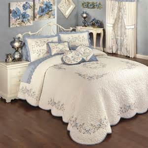 Floral Bedspreads And Comforters by Antique Charm Floral Oversized Quilted Bedspread Bedding