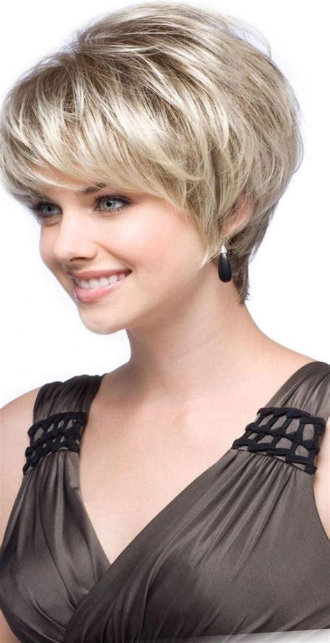Modele De Coiffure les 25 meilleures id 233 es concernant coiffure femme 50 ans
