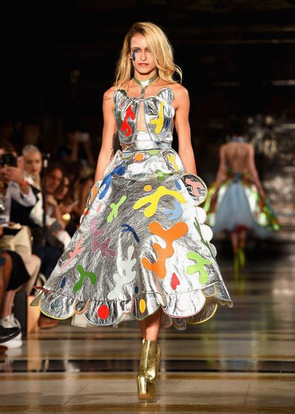 on presents runway lfw september 2016 photos and dellal photos photos pam hogg runway lfw