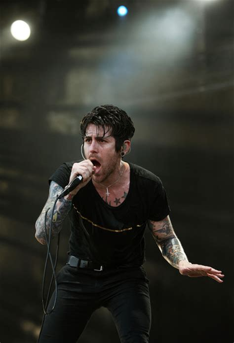 davey havok tattoos davey havok performing on stage tattoomagz