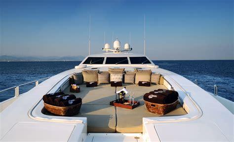 boat lifestyle luxury lifestyles simplyglamorousfashion