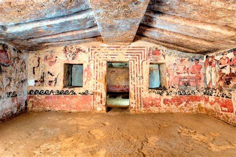 tomba degli scudi e delle sedie le tombe dipinte dell orco degli aninas e degli scudi