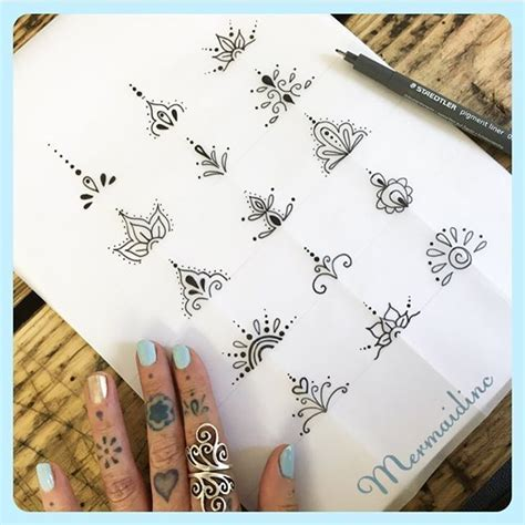 finger pattern meaning toe tattoo designs henna party pinterest toe tattoos