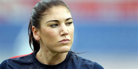 hope solo sin censura hope solo breaks her silence on nude photo leak and she s