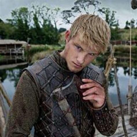 bjorn lothbrok viking season 2 bjorn lothbrok pinterest 65 best alexander ludwig images on pinterest vikings
