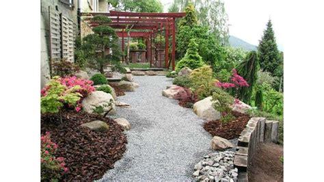 imagenes jardines con piedras decoracion de jardines con piedras y troncos