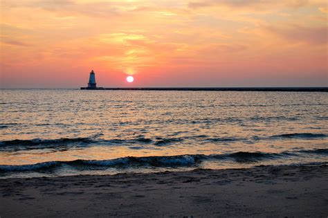 Parkview Cottages Ludington Mi by By The Lake At Parkview Cottages Enjoy Beautiful