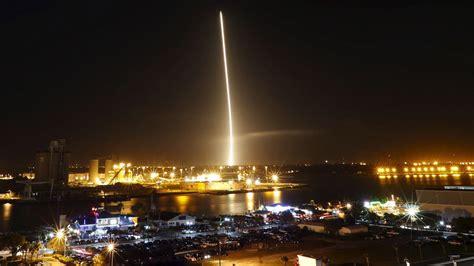 elon musk falcon 9 η spacex γράφει διαστημική ιστορία pestaola