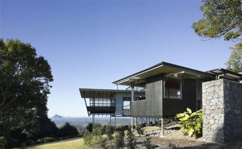 house design blogs australia glass house mountain house in australia by bark design architects wave avenue
