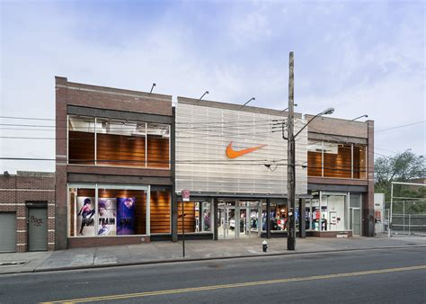 shop nike check out the new nike store in brooklyn kicksonfire