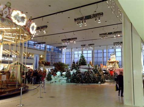 christmas display   middleton hall  david  jones cc  sa geograph britain