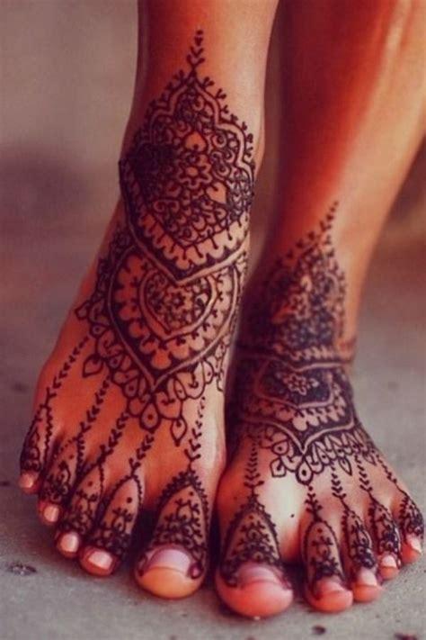 le sur pieds les 25 meilleures id 233 es concernant pied henn 233 sur pieds avec motifs de henn 233 henn 233
