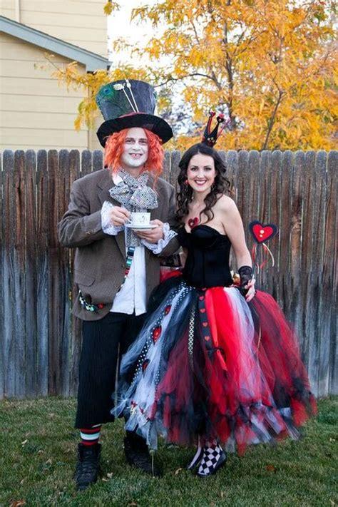 win  couple costume contest   stunning diy queen