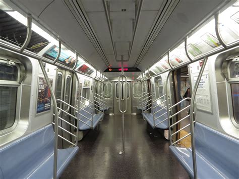 Metro New York Interieur by File Nyc Subway R160 9800 Interior With Stanchions