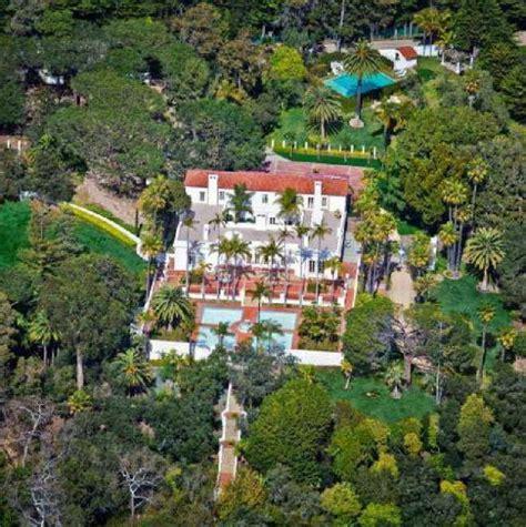 Casa Scarface by In Vendita La Mitica Villa Di Scarface Set Con