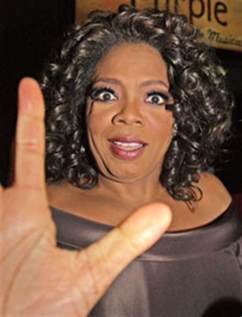 oprah winfrey on r kelly hoprah watch child molester is honored oprah guest r