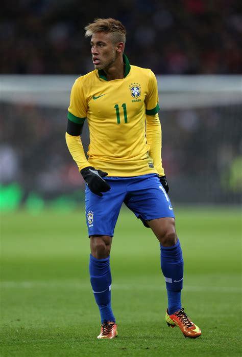 short biography about neymar top 10 neymar hairstyle neymar awesome haircut sporteology