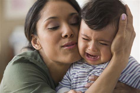 madre llora cuando su hijo la coge mejor conjunto de frases los mejores 8 consejos si tiene un beb 233 de alta demanda