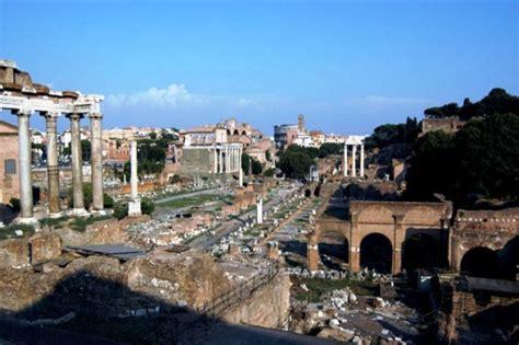 fori imperiali ingresso roma in cer itinerari l area dei fori ed il palatino