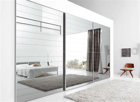 feng shui miroir chambre a coucher portes de placard en miroir chambre 224 coucher moderne