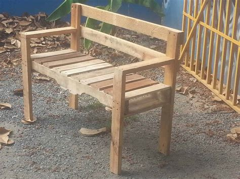 bench made of pallets pallet outdoor bench 1001 pallets