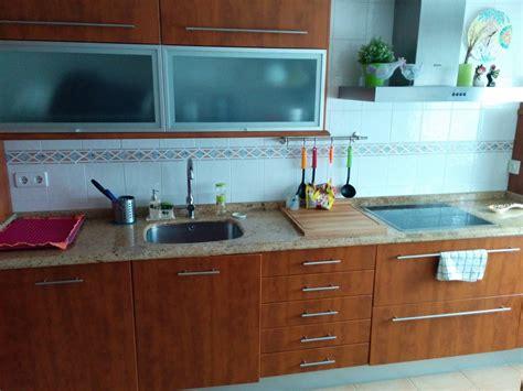 decorar paredes cocina facilisimo color cerezo muebles cocina decorar tu casa es