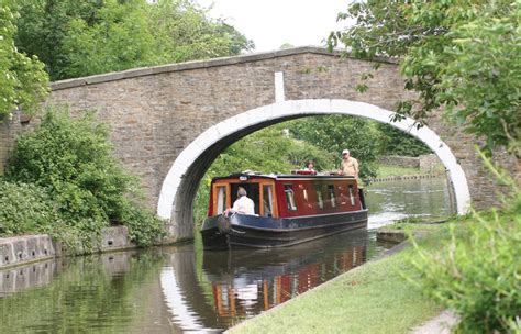 canal boat silsden boats canal boat holidays in yorkshire leeds