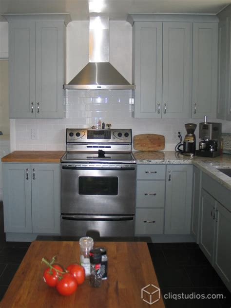 painted shaker kitchen cabinets painted harbor kitchen cabinets shaker kitchen cabinets