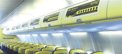aerei ryanair interni secom partner creativo di linkmedia sponsorizzazioni in