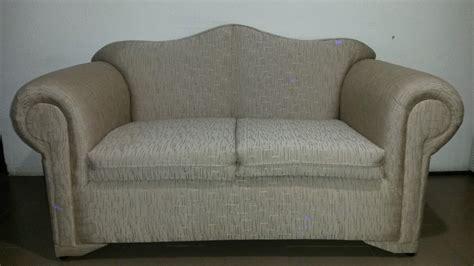 mueble tapizado en tela de  puestos bs  en mercado