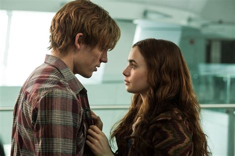 film fantasy romantique the love rosie trailer has lily collins finding the right