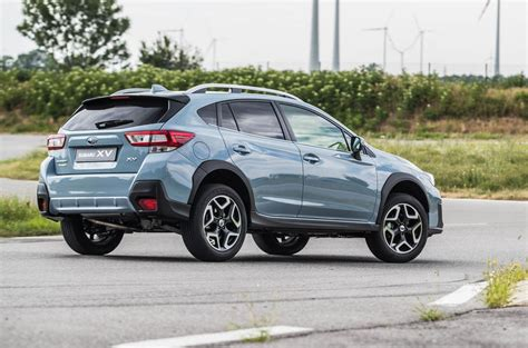 subaru xv 2 0 review subaru xv 2 0i lineartronic 2018 review autocar