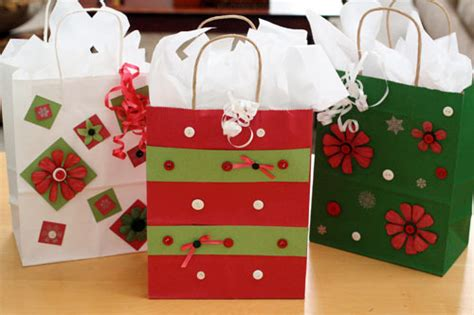 mix and match christmas gift bags and tags